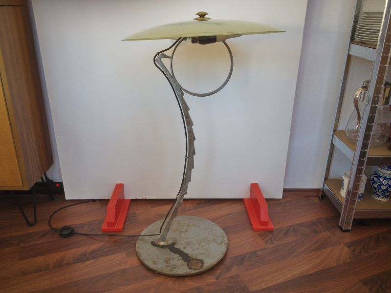 EINZELSTÜCK Bodenlampe vom Künstler Glasschirm 50 cm, 50er Jahre