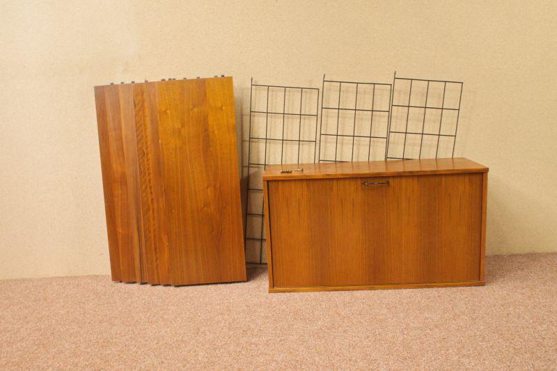 Vintage Wandregal, Regal im String Stil, Nussbaum mit Container 60er Jahre 3