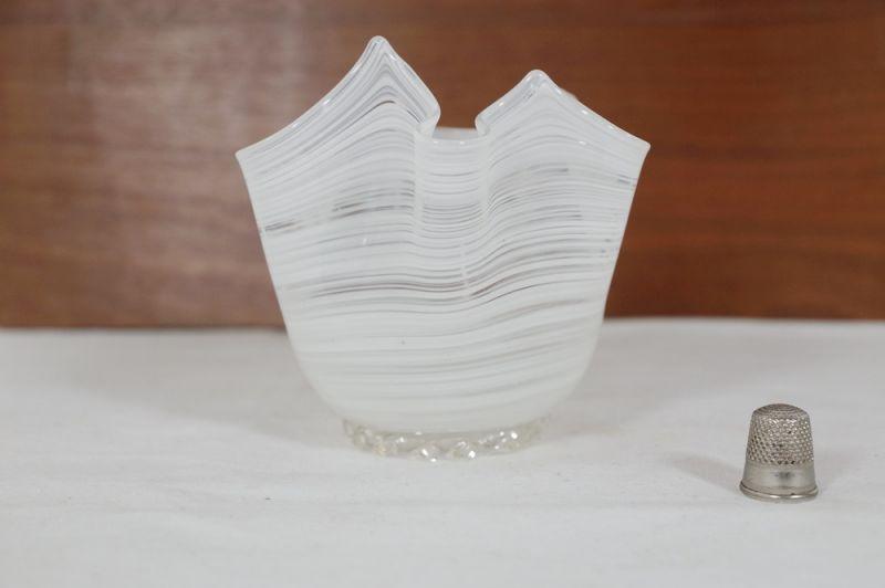 Blumenvase Taschentuch Vase, weiss, Italien/ 50er, 60er