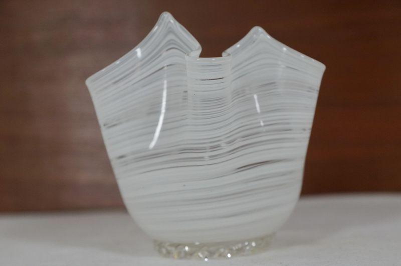 Blumenvase Taschentuch Vase, weiss, Italien/ 50er, 60er 2