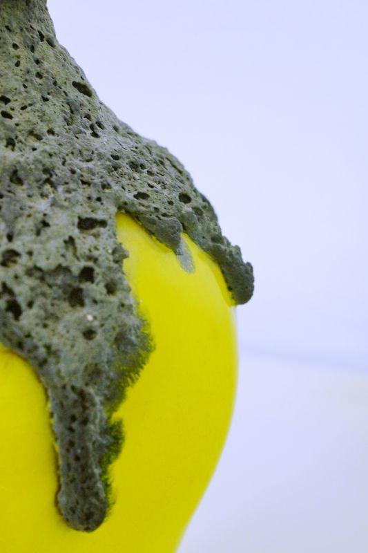 Roth Keramik, Fat Lava Vase, Henkelvase in Gelb | 107-30, 60er Jahre 3