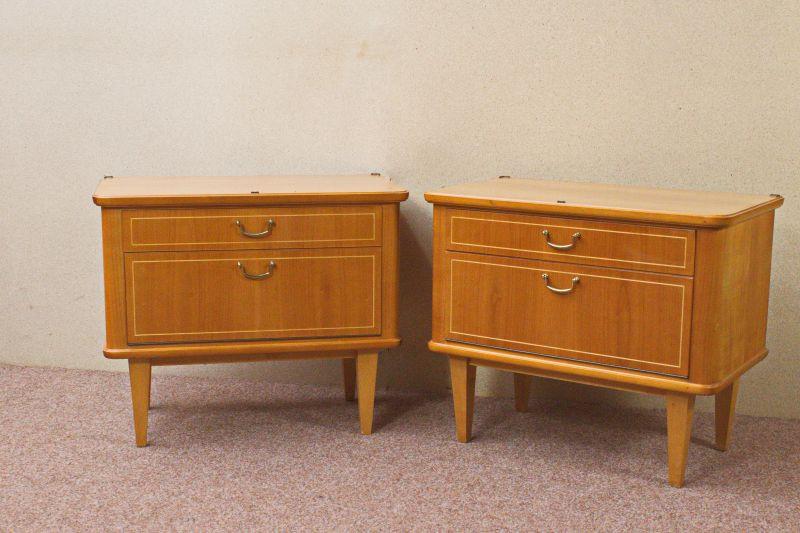 Vintage Kommode Kirsche Furnier Nachttisch 50er 60er 1x vorhanden