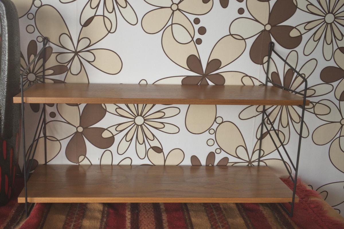 Wandregal Stringregal Bücherregal im String Stil Nussbaum 2 Böden 60er Jahre 0