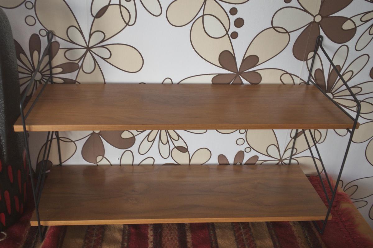 Wandregal Stringregal Bücherregal im String Stil Nussbaum 2 Böden 60er Jahre 1