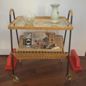 Vintage teewagen beistelltisch mit zeitungsständer string stil 60er jahre
