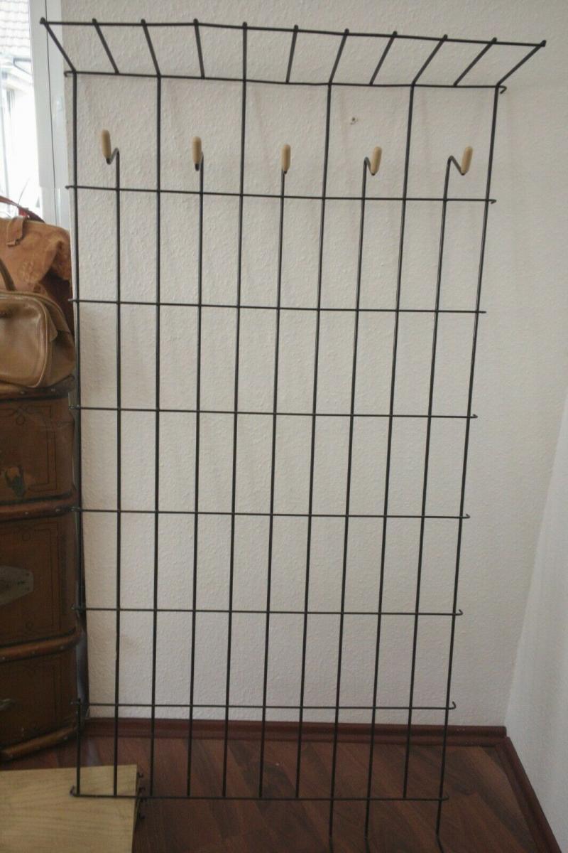 Schöne Garderobe Wandgarderobe im String Stil schwarz Midcentury 60er Jahre 1