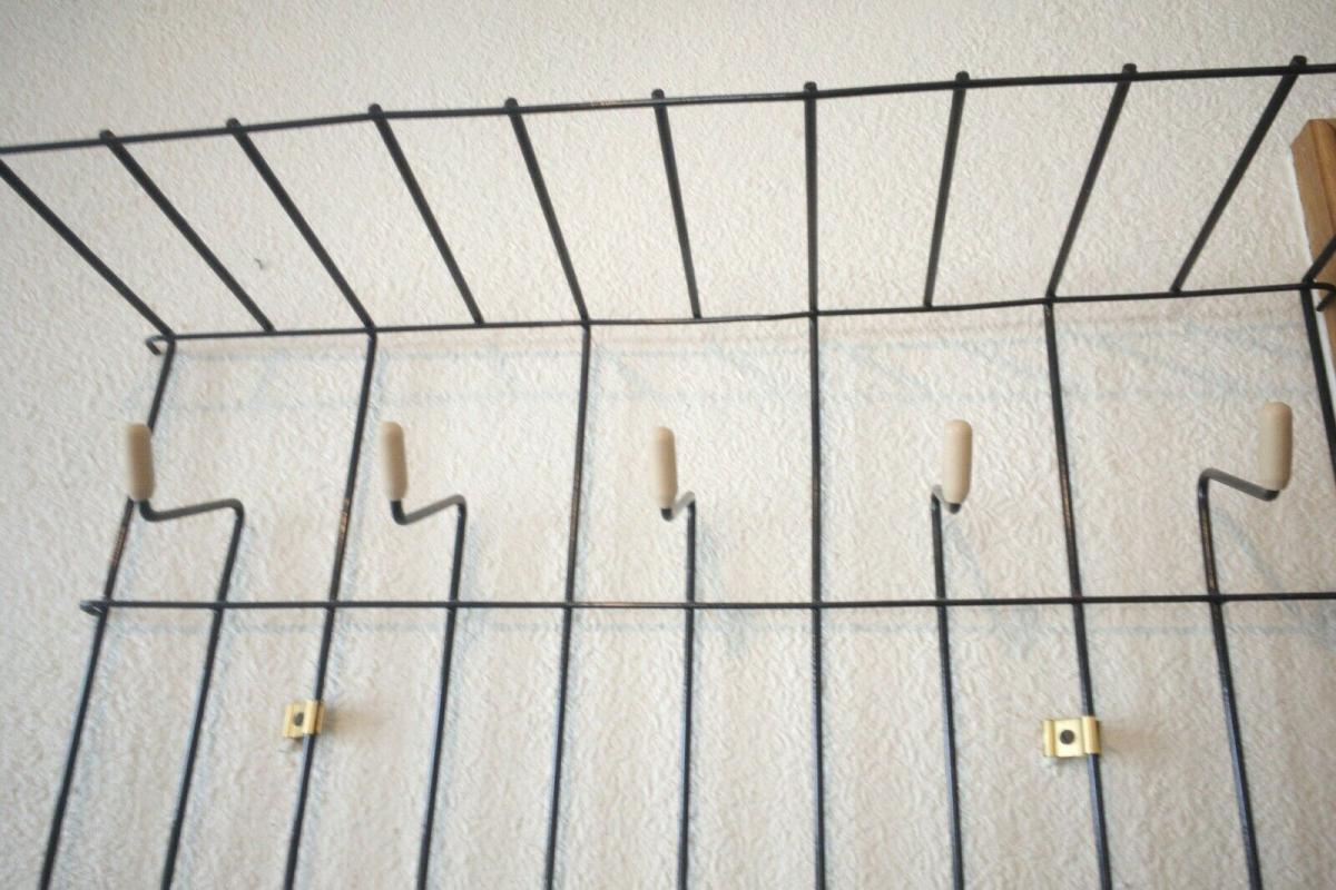 Schöne Garderobe Wandgarderobe im String Stil schwarz Midcentury 60er Jahre 10