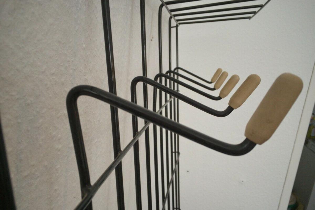 Schöne Garderobe Wandgarderobe im String Stil schwarz Midcentury 60er Jahre 3