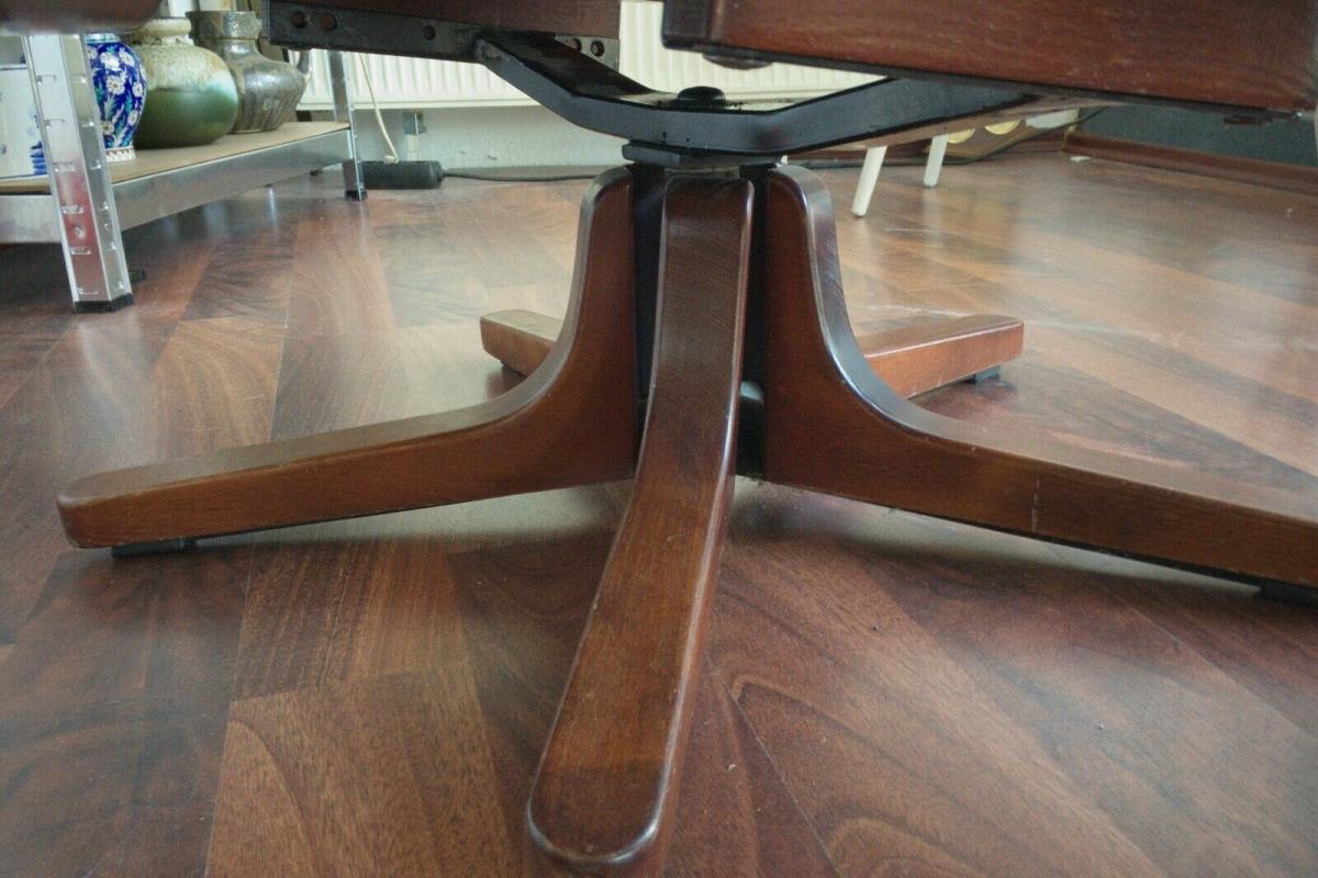 Mid Century Loungechair Ottomane Ledersessel teilrestauriert drehbar 60er 70er 7