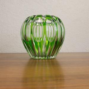Kugelvase tischvase rund aus klarem glas mit grün geschliffen 60er jahre