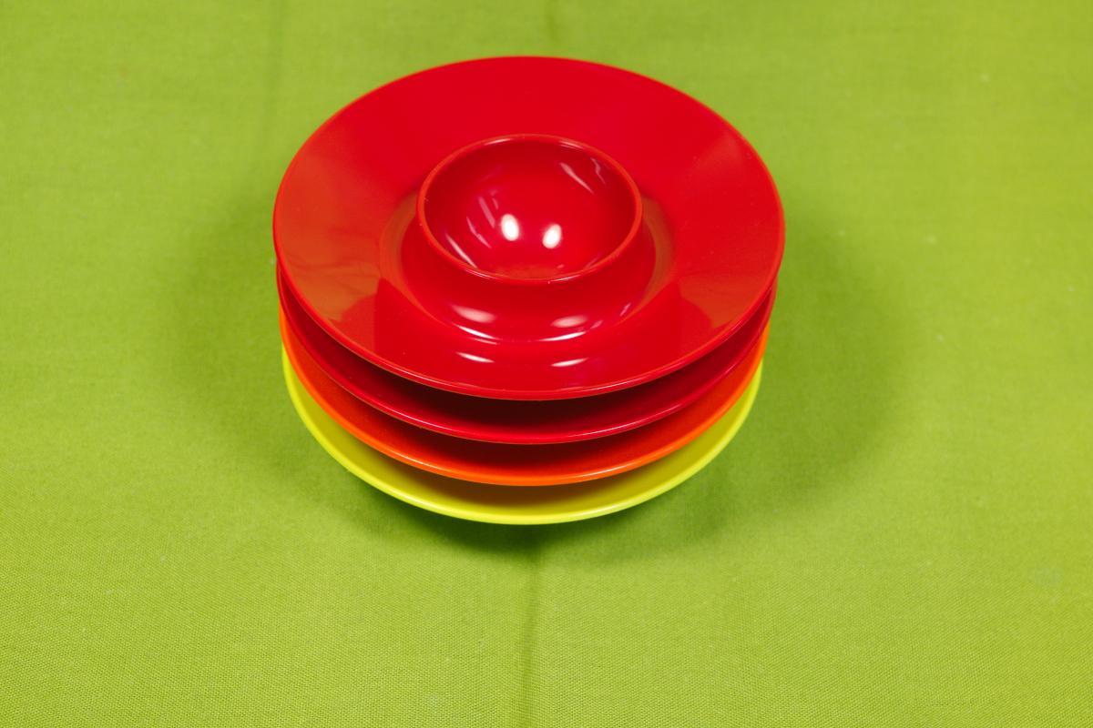 4 eierbecher plastik mepal holland rot orange grün pop art ära 60er 70er jahre 0