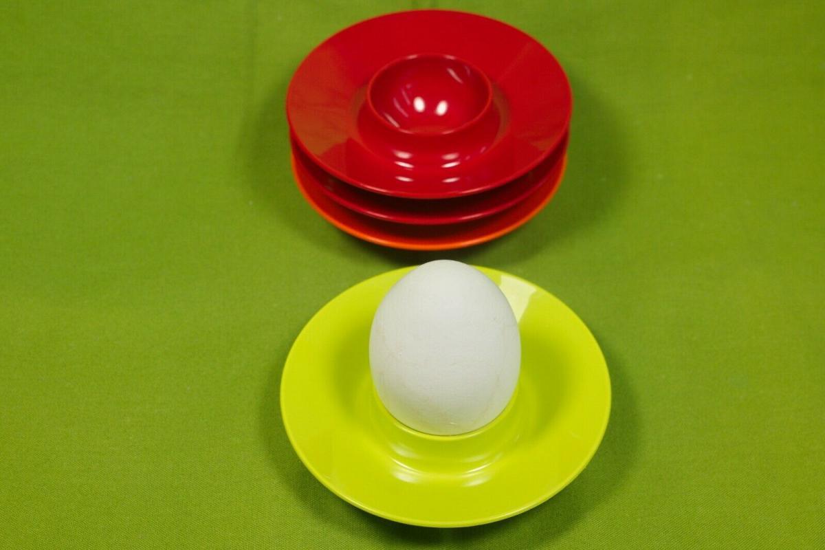 4 eierbecher plastik mepal holland rot orange grün pop art ära 60er 70er jahre 2