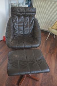 Loungechair mit ottomane hocker ledersessel teilrestauriert midcentury 60er