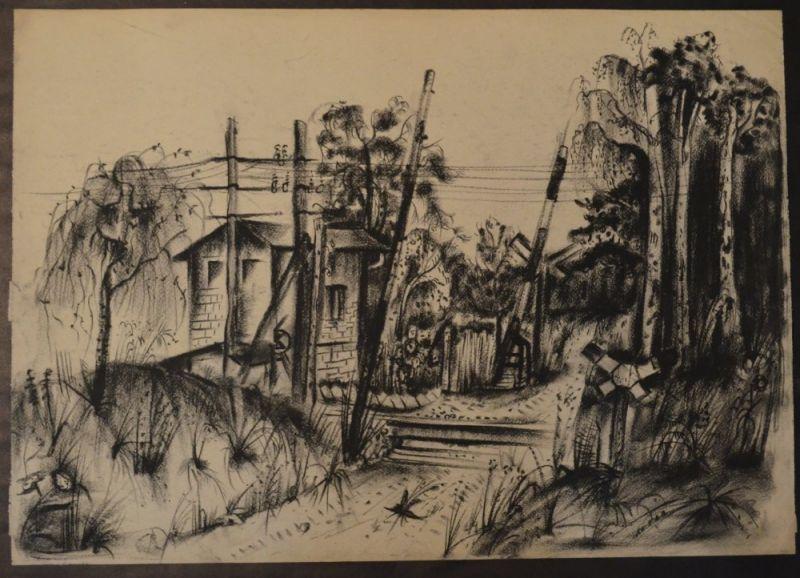 Kuhfuss, Paul: Landschaft mit Bahnschranken und Wärterhäuschen, wohl Ostsee. Kohle auf Papier, 42 x 59,5 cm, wie meist bei Zeichnungen von Kuhfuss nicht signiert.
