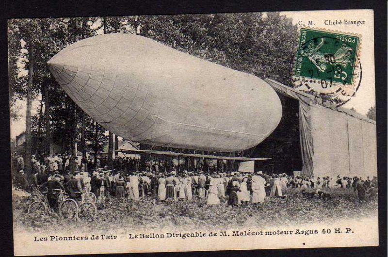Ansichtskarte Pionier der Luftfahrt Le Ballon Dirigeable de M. Malecot moteur Argus
