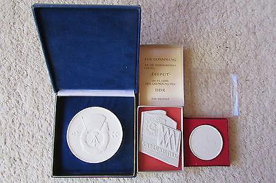 Medallien Porzellan Banner der Arbeit 25 Jahre DDR Reservistenübung Disput 197