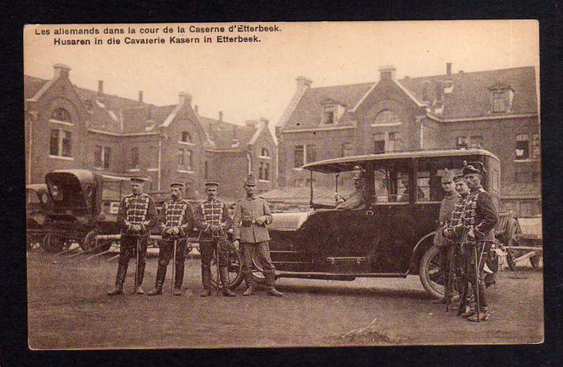 Ansichtskarte Etterbeek Husaren in die Cavalerie Kasern Auto Automobil um 1915