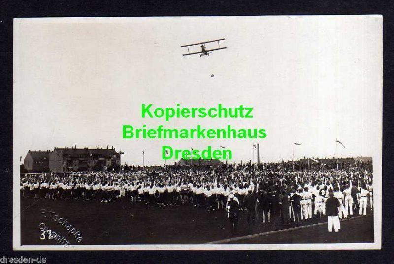 Ansichtskarte Chemnitz Fotokarte Flugtag Flugzug über Menschenmassen 1920er Jahre 0