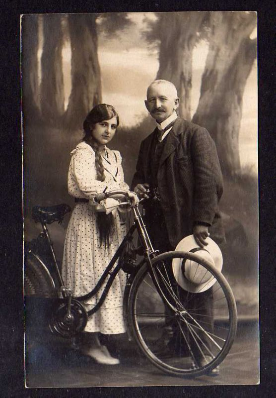 Ansichtskarte All Heil Fahrrad Fotokarte 1917 Mann und Frau