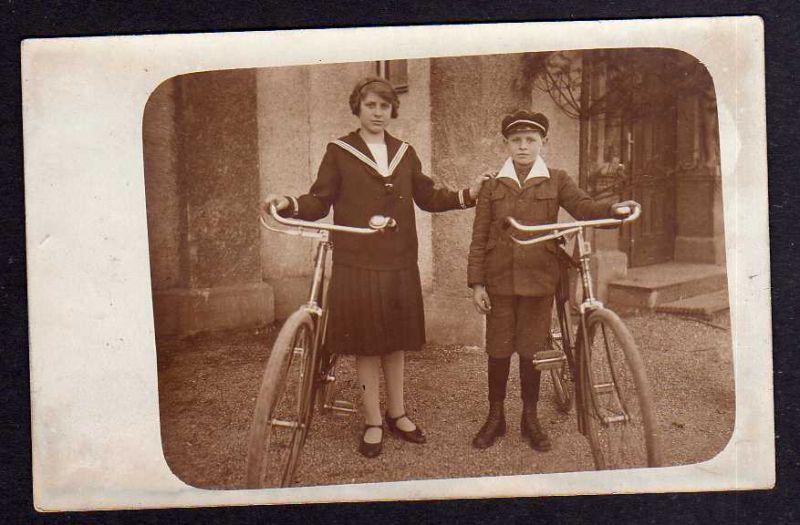 Ansichtskarte Fahrrad Fotokarte Junge Frau um 1910 All Heil