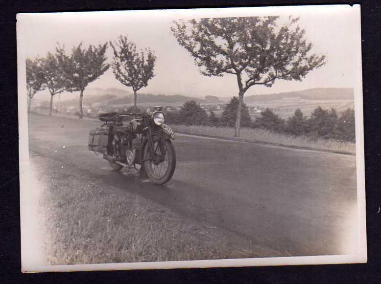 Foto Motorrad Oldtimer NSU (?) um 1920 Kennzeichen IM 123322