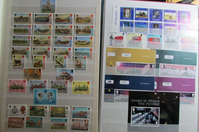Insel Man postfrische Sammlung 1973 bis Anfang 2003 in 3 Alben Mi. 13 bis 1044