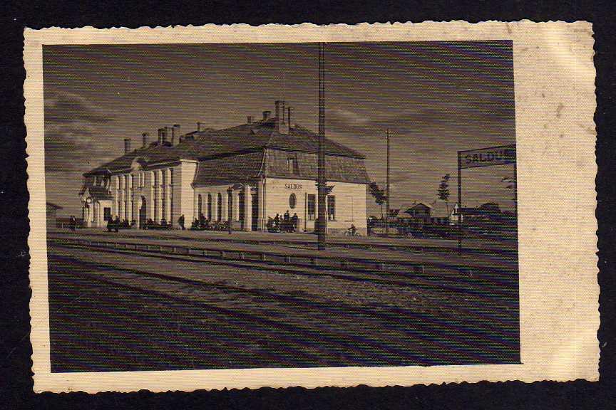 Ansichtskarte Saldus Frauenburg Lettland Bahnhof Fotokarte um 1930