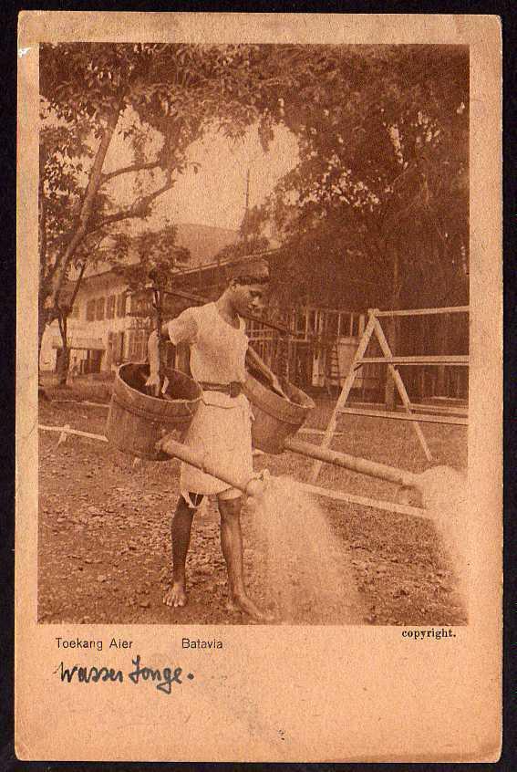 Ansichtskarte Toekang Aier Batavia Java Wasserkannen Gießkanne um 1930