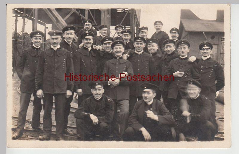 (84361) Foto AK Bergleute in Uniform, Gruppenbild, vor 1945