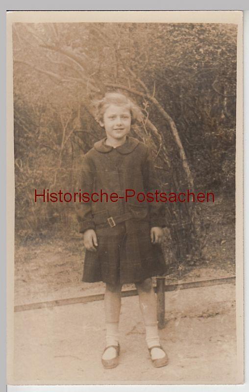 (F4887) Orig. Foto Mädchen, Porträt im Freien um 1920