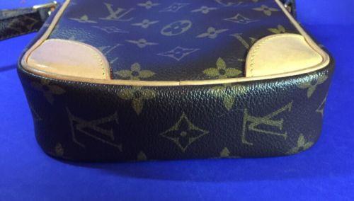 Louis Vuitton Vintage Umhängetasche Top Zustand 3