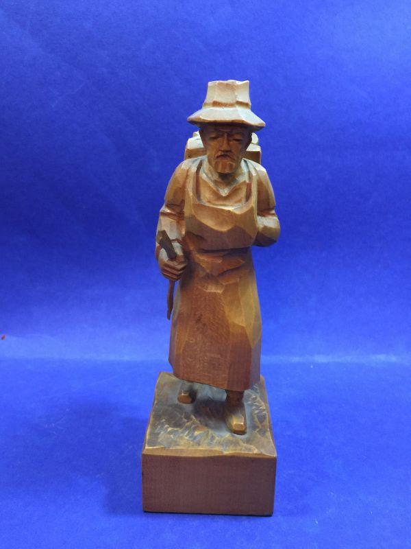 Holzarbeiter Waldarbeiter Holzfigur geschnitzt ca. 18 cm h 18023