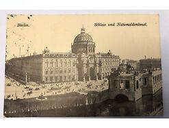 Berlin Schloss und Nationaldenkmal  Pferdefuhrwerk Pferde 30857