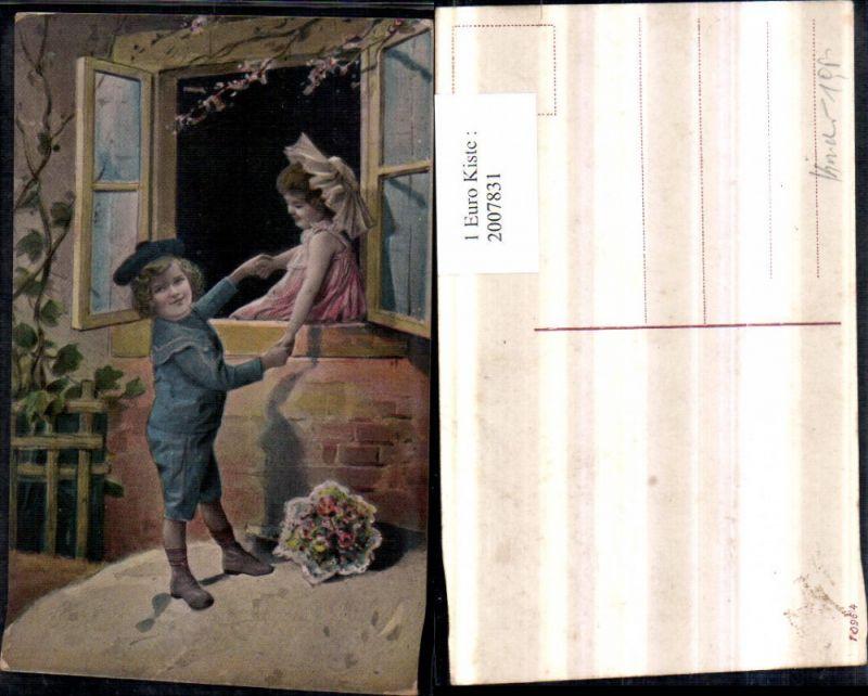 Künstler AK Junge Bub m. Matrosenanzug Mädchen Händchen haltend Fenster