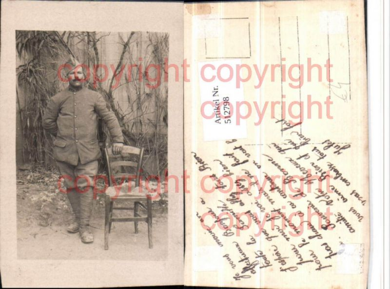 Foto AK WW1 Soldat Uniform Portrait Stuhl Sessel