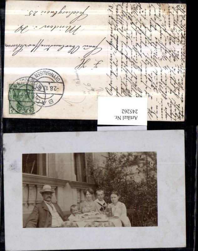 Fotokarte Bad Oeynhausen Familie Frau u. Mann m. Kinder Tisch Teekanne