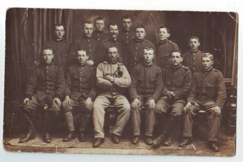 29882;WW1 Austrian Soldiers w. Commander Portrait