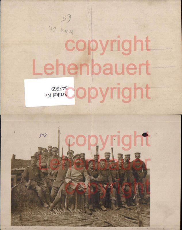 Deutsche Armee Foto-AK Soldaten Schützengraben Unterstand