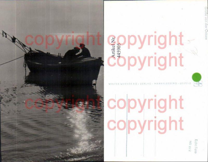 Foto Ak Ruderboot Boot mit Fischer Fischen Ostsee