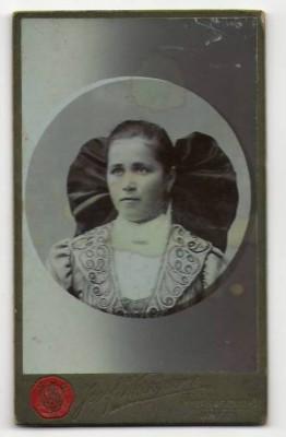4681;CDV Foto Frauenmotiv Werkgarner Frankenmarkt 1900