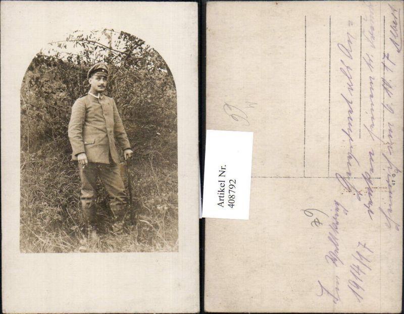 Foto Ak WW1 Soldat Uniform Gehstock Zigarre Rauchen