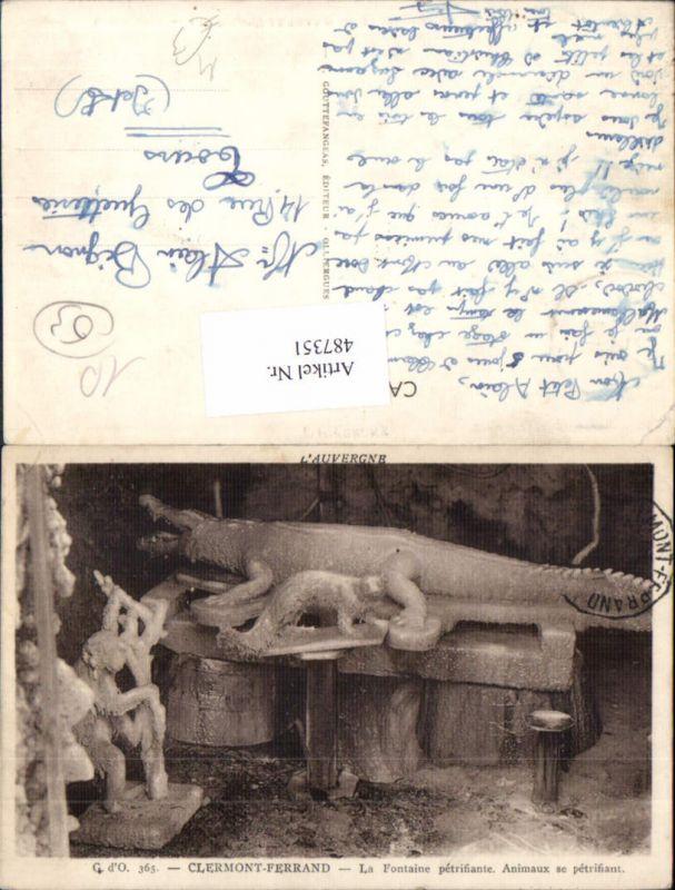 Clermont-Ferrand La Fontaine petrifiante Animaux se petrifiant Krokodil A