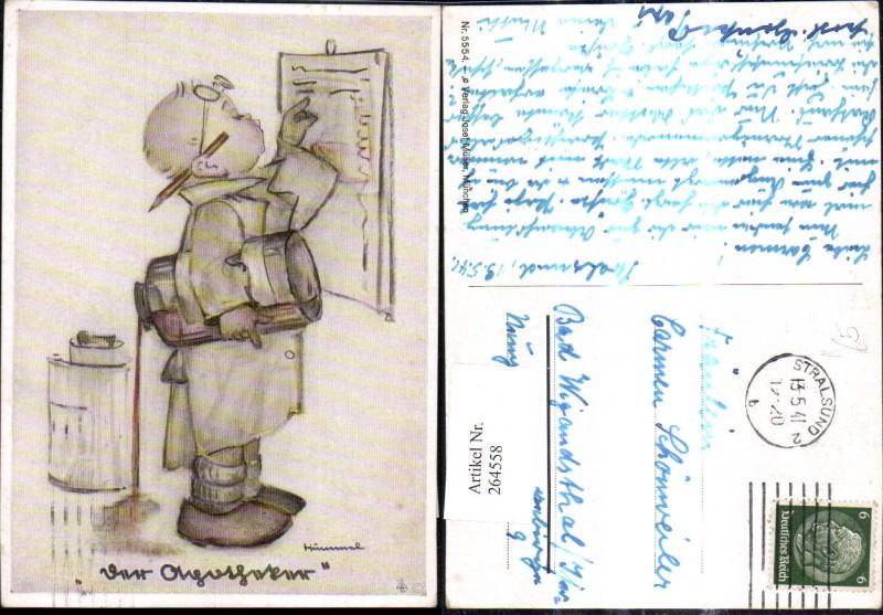 Künstler Ak Berta Hummel 5554 Bub liest a. Tafel u. vergießt dabei Flasch