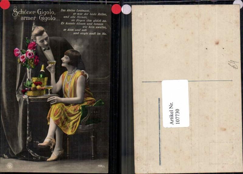 107730;NPG Frau m. Mann Sekt Obst Rosen Tisch Kleid halskette