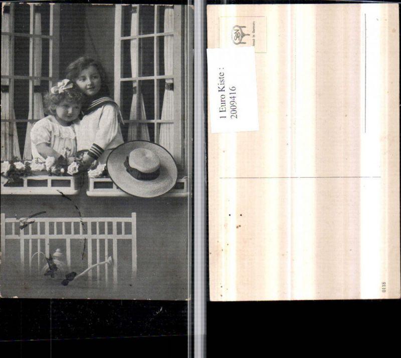 Kinder Mädchen m. Haarschleife Junge in Matrosenanzug Fenster Hut Gießka