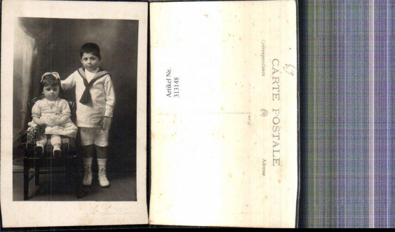 Foto Ak Kinder in Uniform Junge Bub i. Matrosenanzug Mädchen Kleid Haarsc