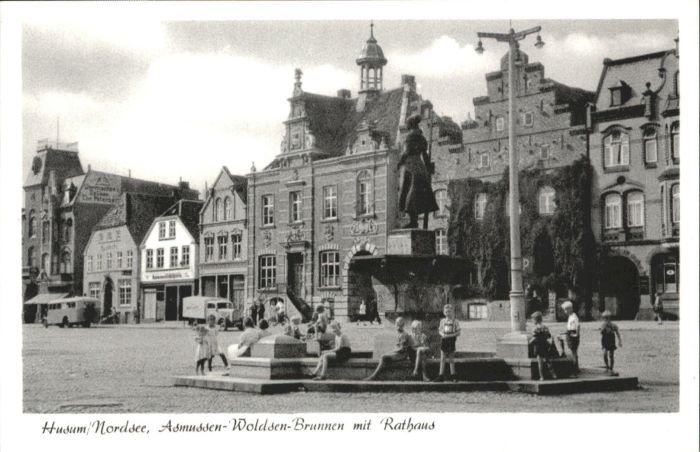 Husum Nordfriesland Husum Nordsee Asmussen-Woldsen-Brunnen Rathaus  * / Husum /Nordfriesland LKR
