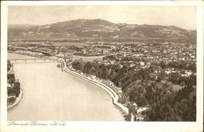 Linz Donau Gesamtansicht Donau / Linz /Linz-Wels