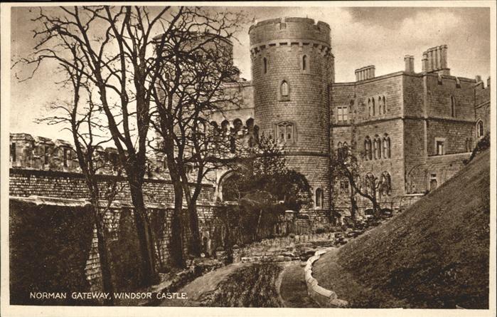 wz41860 Windsor Castle Norman Gateway Windsor Castle Kategorie. United Kingdom Alte Ansichtskarten