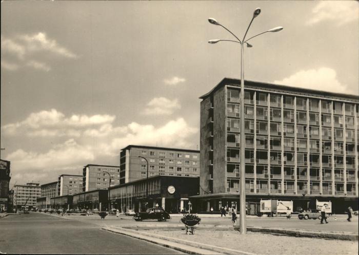 Karl-Marx-Stadt Strasse der Nationen Plattenbau Autos Kat. Chemnitz